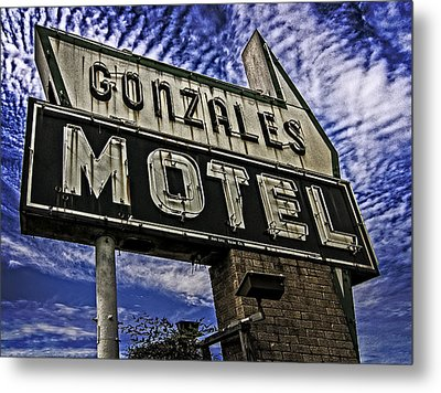 Metal Print featuring the photograph Gonzales Motel In Color by Andy Crawford