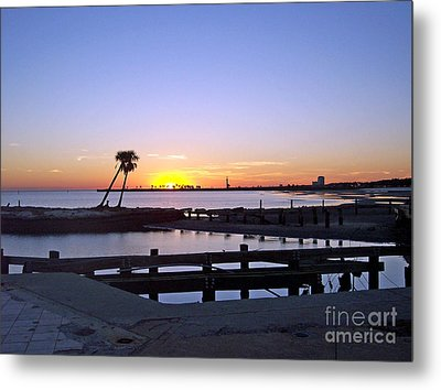 Metal Print featuring the photograph Goodbye Sun by Roberta Byram