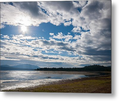 Metal Print featuring the photograph Goose Bay Sunrays by Jan Davies