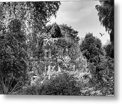 Gothic Hampstead Metal Print by Rona Black