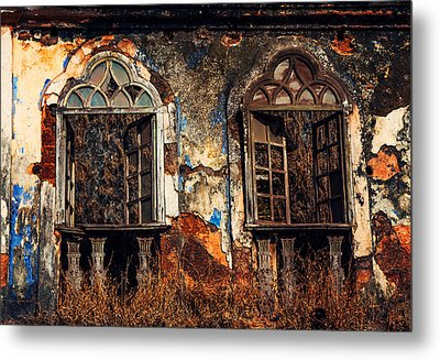 Gothic Windows. Old Portuguese House. Goa. India Metal Print