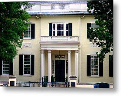Metal Print featuring the photograph Va Govenors Mansion Richmond Va by Suzanne Powers