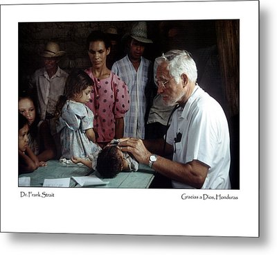 Metal Print featuring the photograph Gracias A Dios by Tina Manley