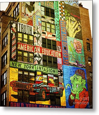 Graffitti On New York City Building Metal Print by Nishanth Gopinathan
