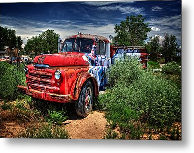 Metal Print featuring the photograph Grafitti Fire Truck by Ken Smith