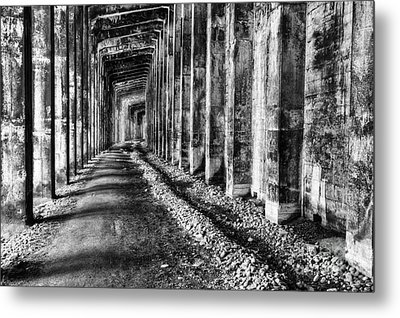 Great Northern Railroad Snow Shed - Black And White Metal Print by Mark Kiver