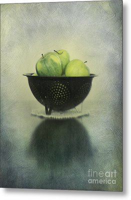 Green Apples In An Old Enamel Colander Metal Print by Priska Wettstein