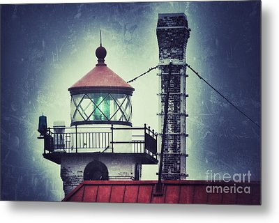 Metal Print featuring the photograph Green Fresnel Gleaming by Mark David Zahn