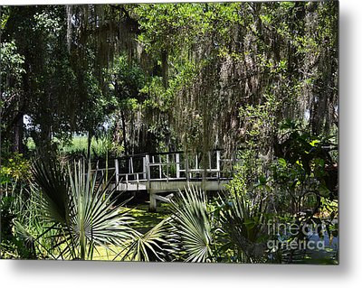 Green Gardens At Magnolia Plantation Metal Print