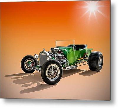 Green T With An Orange Twist Metal Print by Douglas Pittman