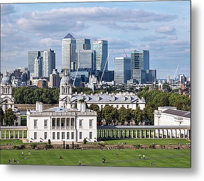 Greenwich And Canary Wharf Metal Print by Gill Billington