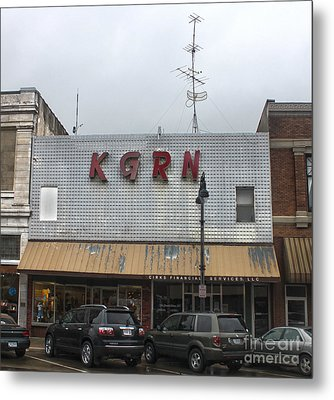 Grinnell Iowa - Kgrn Radio Station Metal Print by Gregory Dyer