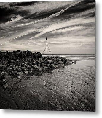 Groyne Marker Metal Print by Dave Bowman