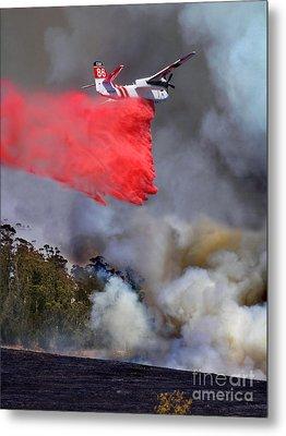 Grumman S-2f3at Fire Retardant Drop Metal Print by Wernher Krutein