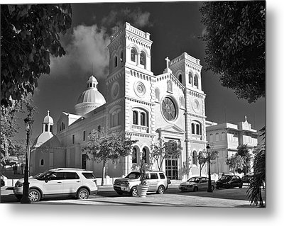 Guayama Church And Plaza B W 1 Metal Print by Ricardo J Ruiz de Porras
