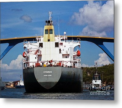 Guided Under Queen Julianna Bridge In Curacao Metal Print by Gena Weiser