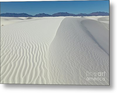 White Sands Gypsum Dunes Metal Print by Yva Momatiuk John Eastcott