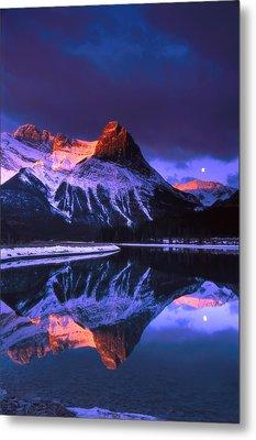 Ha-ling Peak And Full Moon Metal Print