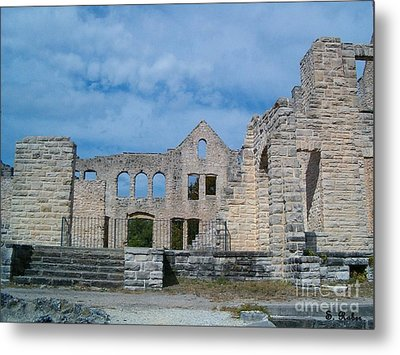 Metal Print featuring the photograph Haha Tonka Castle 1 by Sara  Raber
