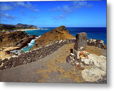 Metal Print featuring the photograph Halona Blowhole Monument by Aloha Art