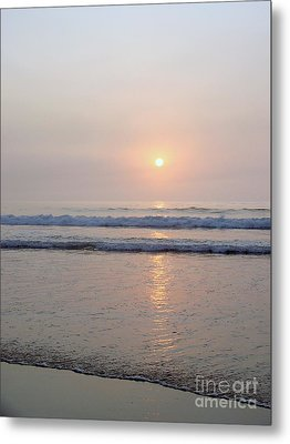 Hampton Beach Waves And Sunrise Metal Print by Eunice Miller