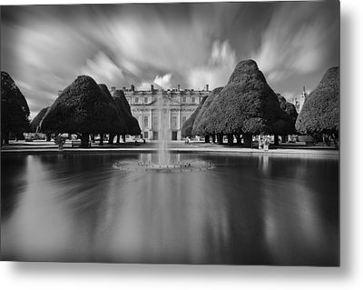 Hampton Court Palace Metal Print