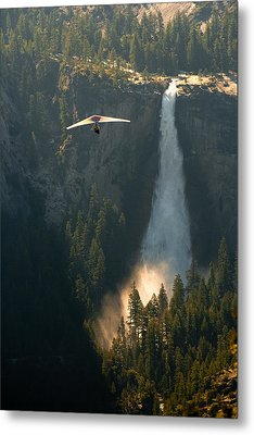 Hang Glider In Yosemite National Park Metal Print by Celso Diniz