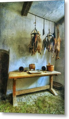 Hanging Game Metal Print by Ian Mitchell