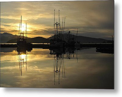 Metal Print featuring the photograph Harbor Sunset by Cathy Mahnke