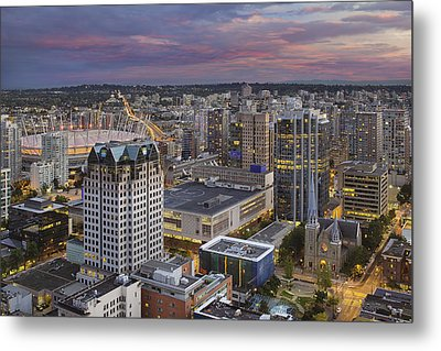 Harbour Center Lookout Vancouver Bc Metal Print by David Gn