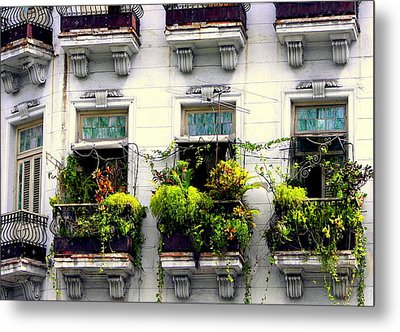 Havana Windows Metal Print by Karen Wiles