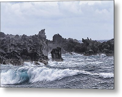 Hawaii Waves V1 Metal Print by Douglas Barnard