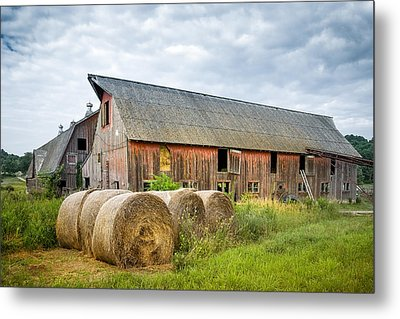 Hay Bales And Old Barns Metal Print by Gary Heller