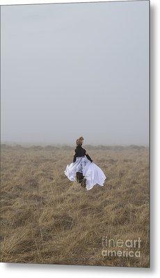 Heart On The Run Metal Print by Evelina Kremsdorf