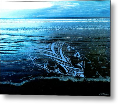 Metal Print featuring the photograph Hearts Across Oceans by Amanda Holmes Tzafrir