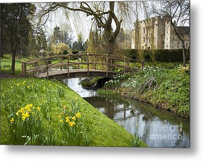 Heaver Castle In Spring Metal Print by Donald Davis