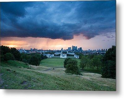 Heavy Rains Over London Metal Print by Wayne Molyneux