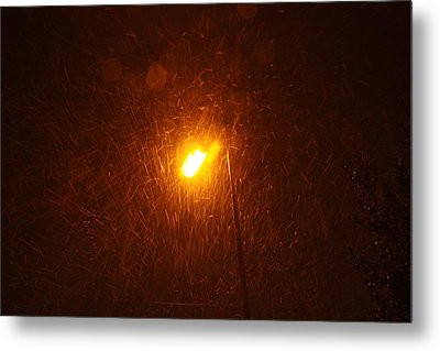 Metal Print featuring the photograph Heavy Snows By Lamplight by Jean Walker