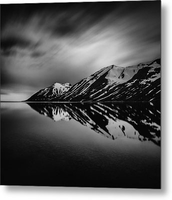 Metal Print featuring the photograph Hedinsfjordur by Frodi Brinks