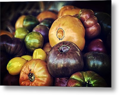 Heirloom Tomatoes At The Farmers Market Metal Print by Scott Norris