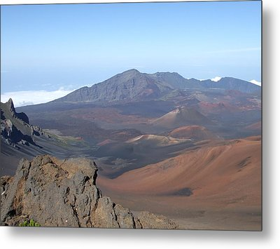 Metal Print featuring the photograph Heleakala Volcano In Maui by Richard Reeve