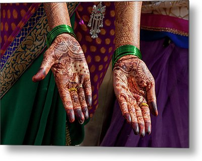 Henna Decoration Metal Print by Tom Norring