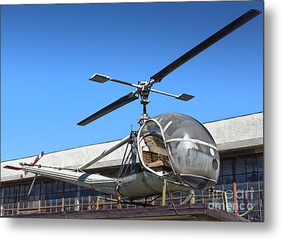 Hiller Raven H-23 Metal Print by Gregory Dyer
