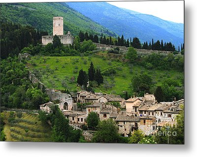 Hillsides Of Assisi Italy Metal Print by Theresa Ramos-DuVon