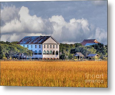 Historic Pelican Inn Metal Print
