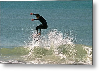 Hit The Wave Metal Print by Joan McArthur