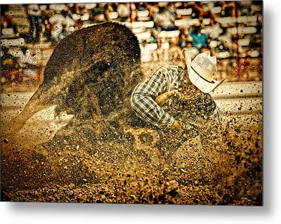 Hittin' The Dirt Metal Print by Lincoln Rogers