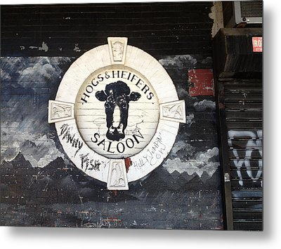 Hogs And Heifers Saloon Sign New York Metal Print