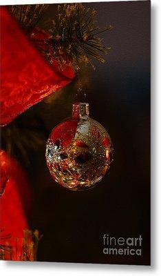 Holiday Season Metal Print by Linda Shafer