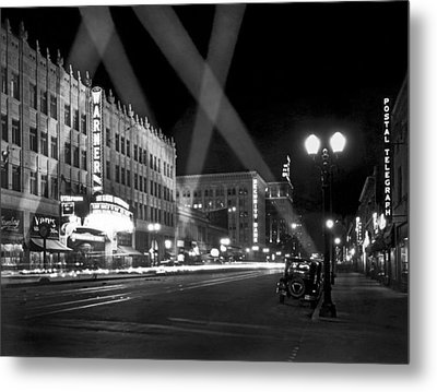 Hollywood Premier Metal Print by Underwood Archives